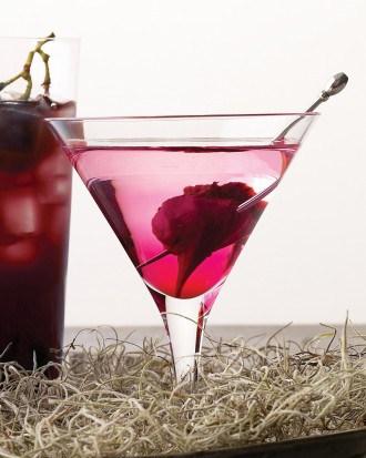 halloween-cocktail-bleeding-heart