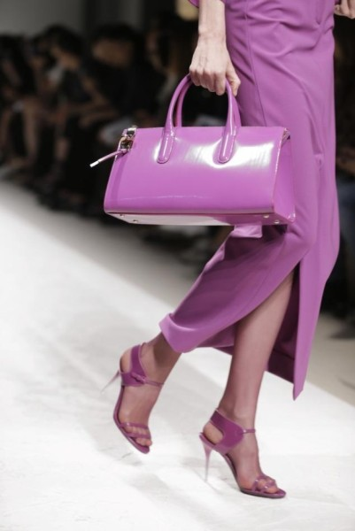 fashion-pantone-color-of-the-year-radiant-orchid-bag-620x929