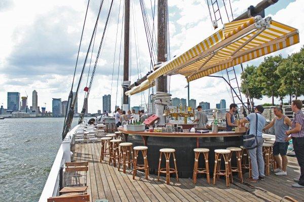 grand-banks-oyster-bar-boat-nyc