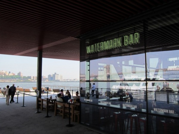watermark-bar-pier-15-fidi-outdoor-seating-bar-location