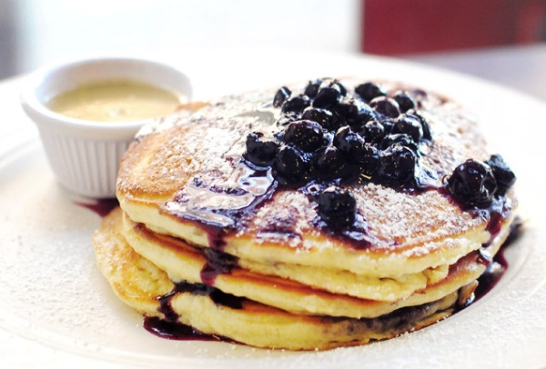 NYF_LowerEastSide_BlueberryPancakes-ClintonStreetBaking_636x431